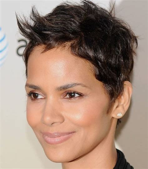 flattering haircuts for oblong faces flattering hairstyles for your face shape musings of a
