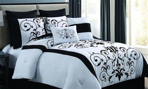 Groupon Comforter Set by 8 Comforter Set Groupon Goods