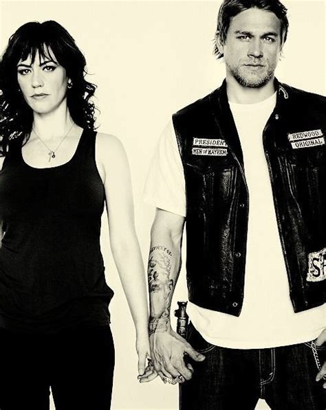 charlie hunnam and maggie siff relationship charlie hunnam maggie siff i m pissed they killed her