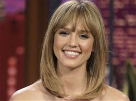jessica alba bob hairstyles at 360 degrees see photos jessica alba goes blonde and rhys ivans sports