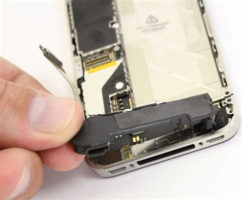 Speaker Iphone 4 Other Cell Phone Parts Iphone 4 Speaker Genuine Part Was Sold For R110 00 On 25 Aug At 00 01