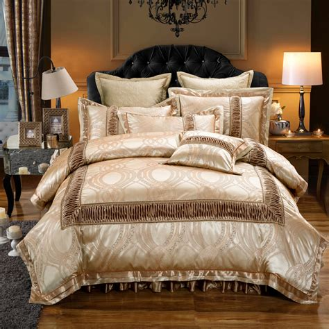 Luxury Royal Golden Jacquard Wedding Bedding Set King Bedding Size