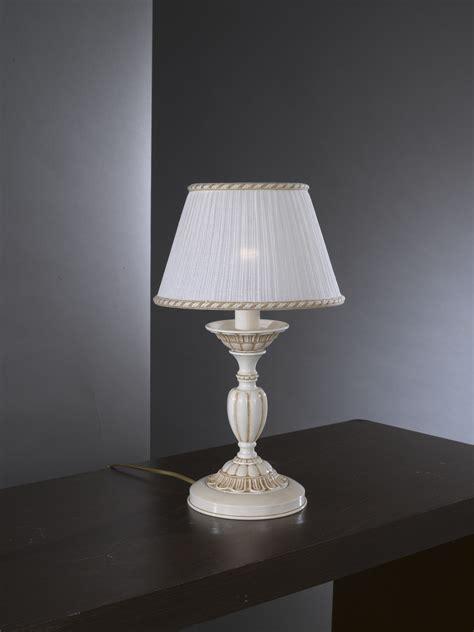 lumetti per comodini lada da comodino in ottone bianco antico con paralume