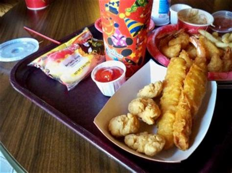 chicken and fish from columbia harbour house | the disney