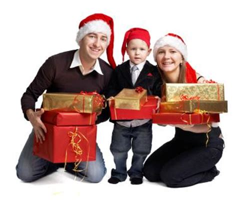 family christmas portrait ideas | lovetoknow