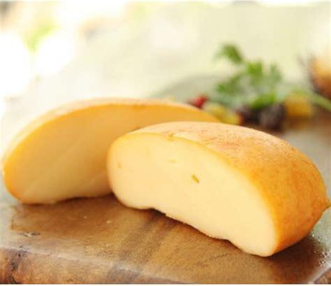 Jerhigh Cheesesausage 100gr smoked scamorza cheese handmade 90 gr naturally
