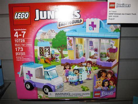 Lego Juniors Mias Vet Clinic 10728 toys n bricks lego news site sales deals reviews mocs new sets and more