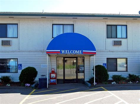 motel 6 duluth pet policy