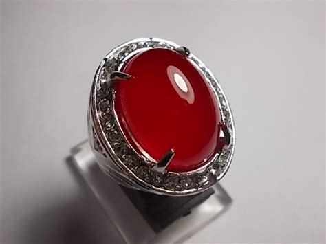 Batu Raja Merah Darah ciri dan manfaat batu akik darah baturaja