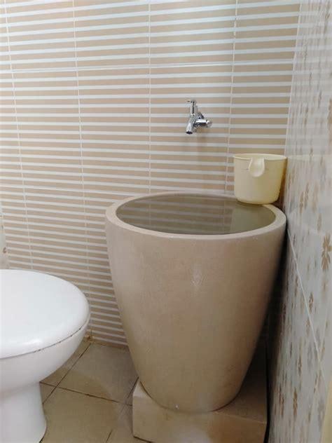 bak mandi unik tipe gelas