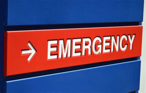 st barnabas hospital bronx emergency room dies after 8 hours in er waiting room