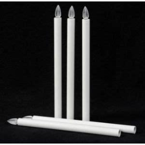 accendere una candela la simbologia della luce o fiammella votivo arredi sacri