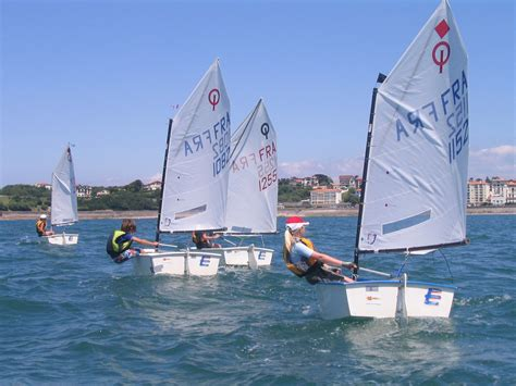 jacht optymist stage en optimist yacht club basque