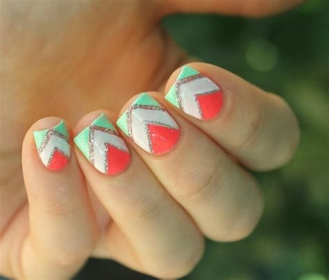 Deco Ongle Vert by D 233 Co Ongles Avec Bande De Striping En 30 Inspirations