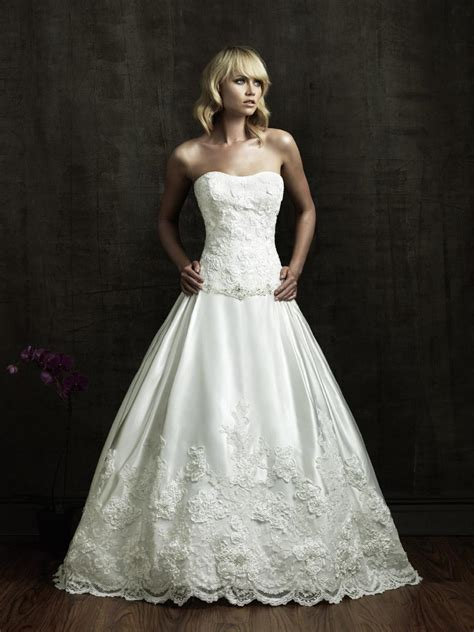 beautiful strapless wedding dress with a line ipunya