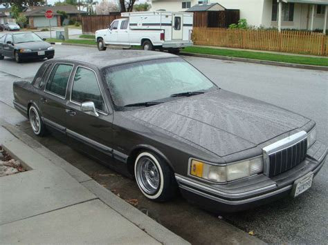 free car manuals to download 1984 lincoln town car seat position control service manual 1995 lincoln town car workshop manual download free lincoln town car 1995 97