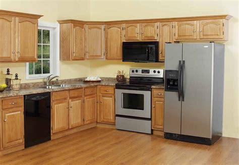 pics of kitchens with oak cabinets best kitchen paint colors with dark cabinets