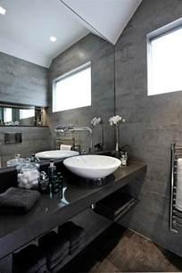 agréable Comptoir De Cuisine Noir #2: salle-de-bains-grise-comptoir-noir-vasque-blanche-%C3%A9l%C3%A9gante.jpg