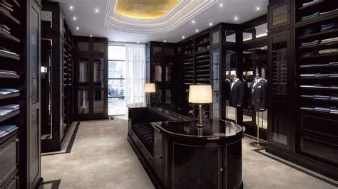 prestigeous walk  closet clean lines   inclusion
