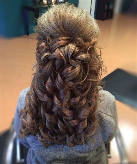 Half Up Curly Hairstyles by 50 Half Up Half Hairstyles For Everyday And Looks