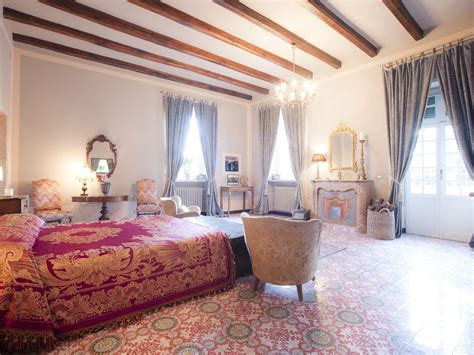 roman bedroom villa il cardinale rome 8km to rome centre wonderful 10