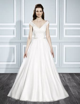Simple Classic Wedding Gowns