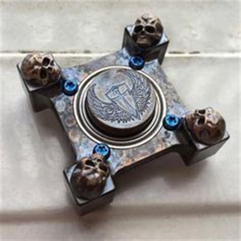 Diskon Fidget Spinner Shuriken Alloy Metal Smooth Spin Series Axe fidget spinner s spade engraved spinner brass