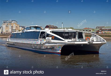 thames clippers wikipedia the free encyclopedia thames clipper catamaran quot hurricane quot london england