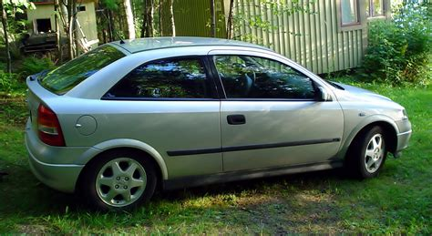 opel astra 1 6 opel astra 1 6 sport photos and comments www picautos