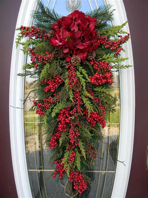 christmas door swag ideas teardrop swag door decor home for the holidays beautiful doors and
