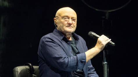 Willis Tower phil collins returns to the stage with his 16 year old son