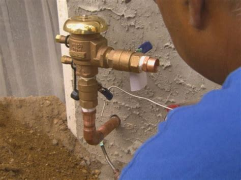 Sprinkler System Plumbing by 10 Things You Must About Sprinklers Diy