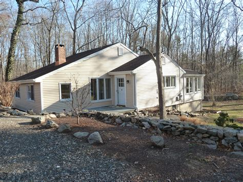 excellent ranch style home for sale in wilton ct