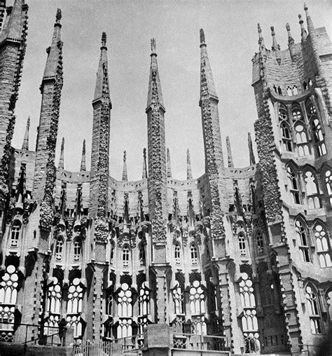 La Sagrada Familia Basilica Pictures Capture Final Phase