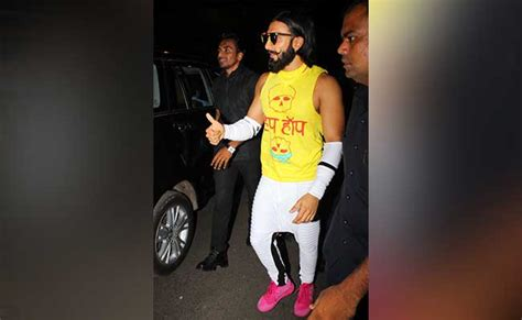 dressing sense ranvir singh again spotted with his weird dressing sense