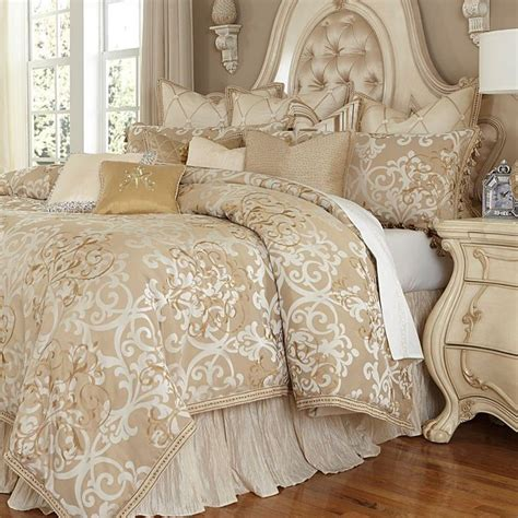 Luxury Comforter Sets by Best 25 Luxury Bedding Sets Ideas On