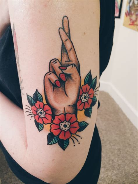 fingers crossed tattoo 25 best ideas about traditional tattoos on