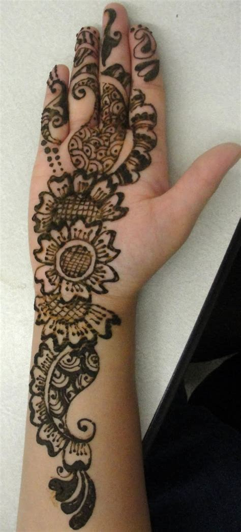 henna design for right hand right hand back mehndi design makedes com