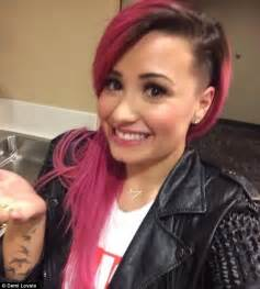 haircuts for woemen one side the other demi lovato unveils new haircut on twitter after shaving