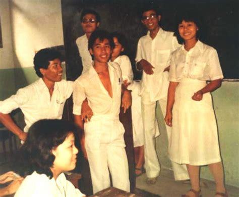 Seragam Sekolah Teladan awal mula dipakainya putih abu abu sebagai seragam sma