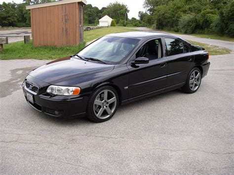 2005 Volvo S 60 Mikeo37 2005 Volvo S60r Sedan 4d Specs Photos