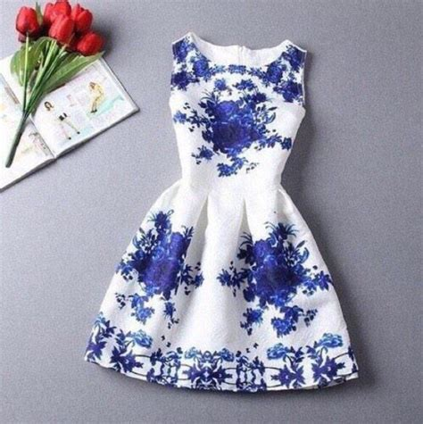 Home Design 3d Gold Forum white dress with blue scroll floral design and side cut