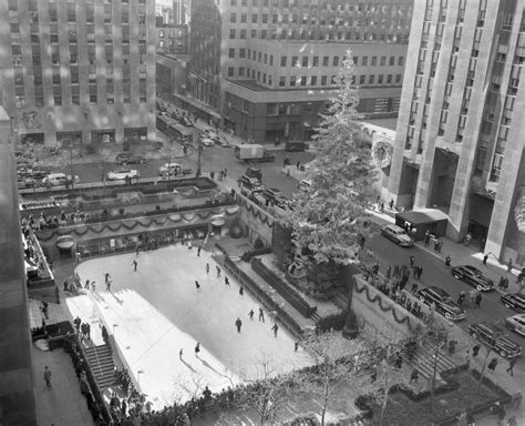 the humbling history of the rockefeller center christmas