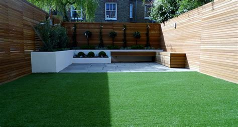 New Build Garden Ideas Hardwood Privacy Screen Trellis Slatted Batten Fence With Artificial Grass In Modern Low
