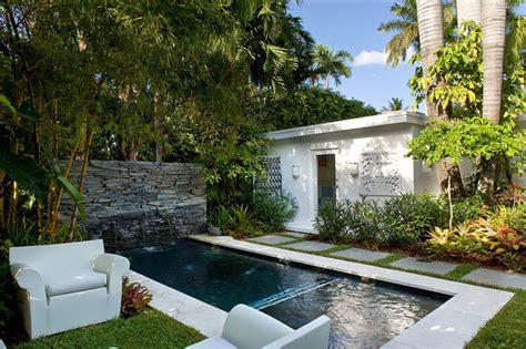 Tiny Pool House Plans by 15 Piscinas Pequenas Para Voc 234 Se Inspirar Limaonagua