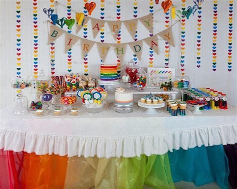 desain meja ulang tahun inspirasi dekorasi rainbow birthday party desain
