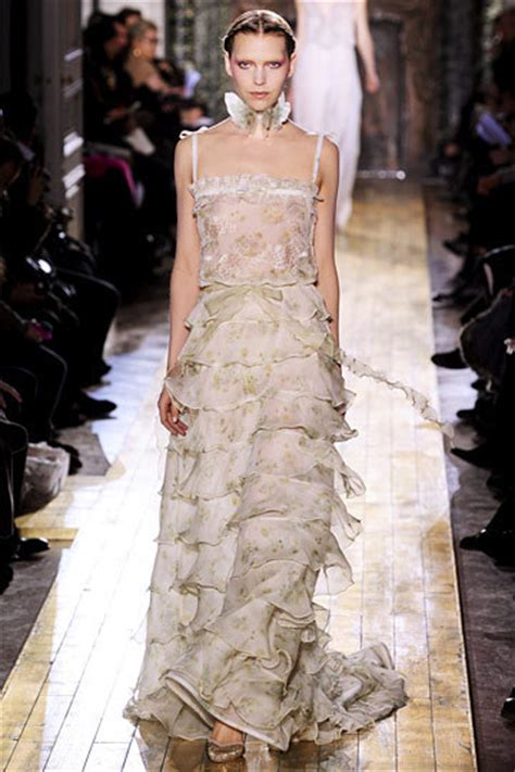 spring 2011 couture fashion shows style valentino spring 2011 couture valentino photo 18850269