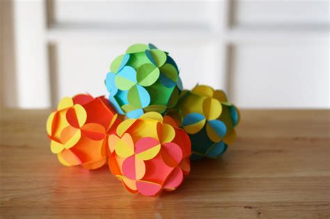 Make Paper Balls - how to make 3d paper ornaments design inspiration