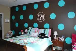 polka dot bedroom remodelaholic tween bedroom with polka dot walls
