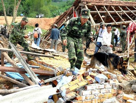 earthquake vietnam helicopters and 2 000 participate in earthquake response